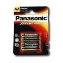 4 piles PANASONIC LR06 ( ou AA) 1,5 Volts.
